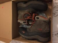 Boys north face snow boots