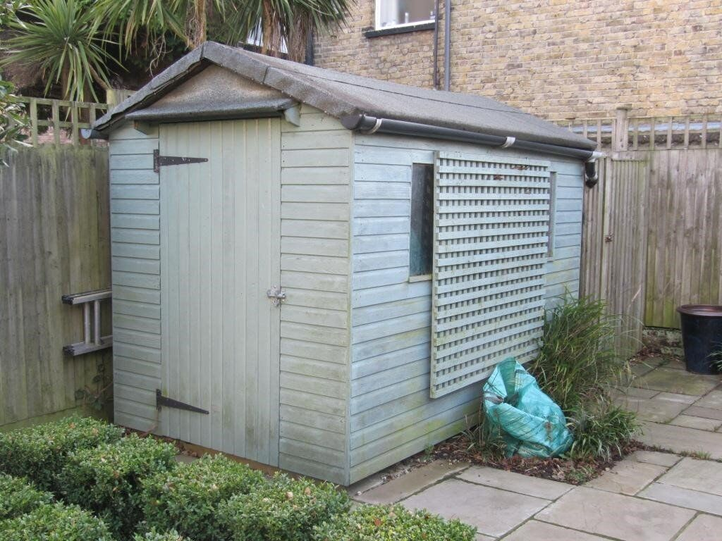 10x6 3m x 18m apex style glazed garden shed very good