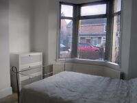 All inclusive* DOUBLE furnished room £440 pcm* professionals ONLY*SN2 2EW*