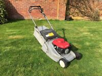 Honda HRB476C QXE Lawnmower (with Rear Roller)