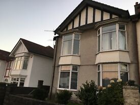 Large 4 bed house to let in Sketty, close to University, Hospital and Uplands. No agency fees.