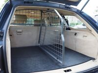 Travall Safety Pack (Dog Guard, Divider & Liner) BMW 5 Series e61 2004-2010