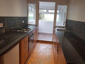 spacious 3 bedroom house, 2 receptions, garden to rent in Dover!!!