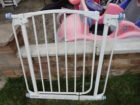 dreambaby stair gate good condition