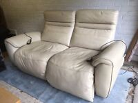 🔥 FREE🔥 - Giordano 2 Seater Electric Reclining Leather Sofa Beige
