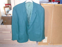 GENTS 100% PURE NEW WOOL GREEN JACKET by DOUGLAS for MEN, in VERY GOOD CONDITION
