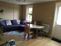 Large double bed in nice and cleans 5 bed flat