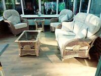 Wicker furniture 5 piece as new