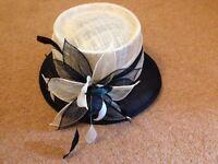 Stunning Design, Wallis Ladies Beige and Black Natural Fibre Hat