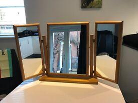 Dressing table triple mirror in pine