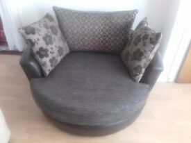 DFS SWING SEAT IN EXCELLENT CONDITION