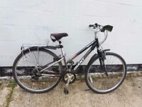 GIANT CYPRESS ladies womens hybrid road city bike. ** i can deliver **