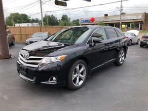 2015 Toyota Venza XLE AWD- SUNROOF, REAR VIEW CAMERA