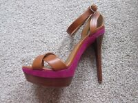 Stunning Ralph Lauren Shoes size 5! Basically new!