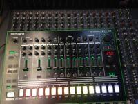 Drum machine for sale Roland TR8