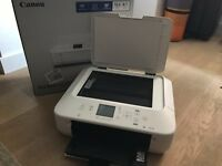 Canon Pixma MG5550 w/ ink included