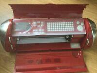 Cricut electronic cake decoration cutter.