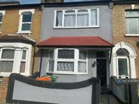 3 bedroom house in Abbots Road, London, E6 (3 bed) (#927684)
