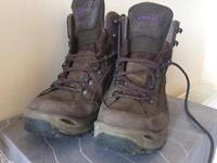 Womens Lowa Renegade GTX Mid hiking boots size 6