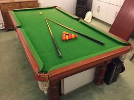 Amazing Complete Pool Table *All Accessories Included*