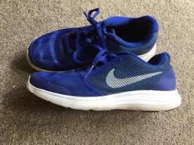 Boys Nike Revolution trainers size 3