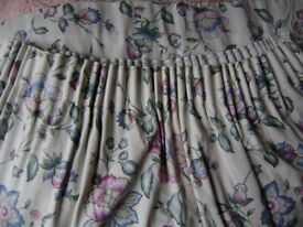 Curtains, pair of curtains in good condition