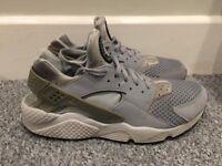 Mens Nike Huarache Size 10