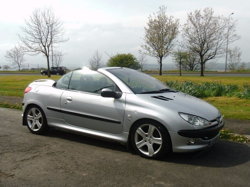 peugeot 206 cc 1 6 cab in silver metallic in consett county durham gumtree. Black Bedroom Furniture Sets. Home Design Ideas
