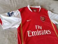 Arsenal Shirt ( size M ), and scarf and car kit, ( 3 items )