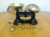 LIBRASCO VINTAGE KITCHEN WEIGHING SCALES WITH BRASS WEIGHTS