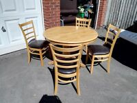 SOLID TABLE AND 4 MATCHING CHAIRS