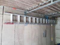 Extendable ladder - 12-36 foot