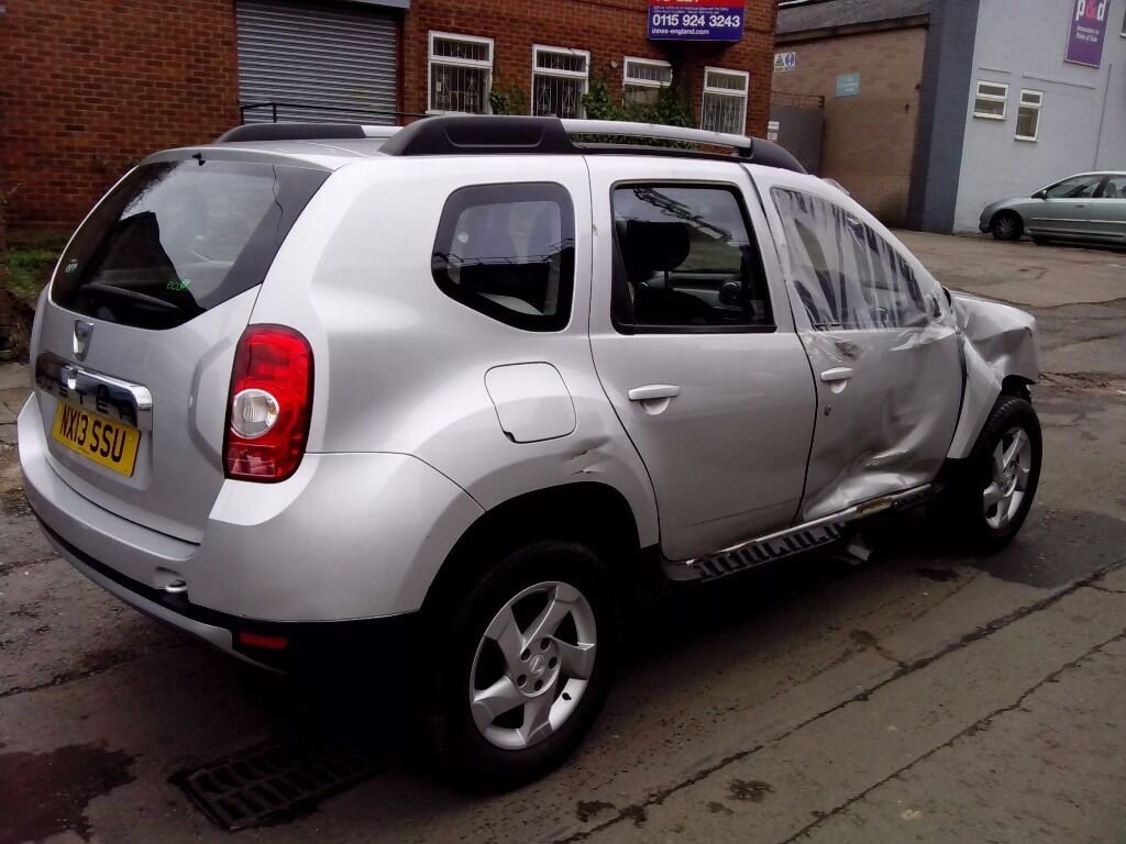 2013 dacia duster laureate dci 4x2 silver damaged. Black Bedroom Furniture Sets. Home Design Ideas