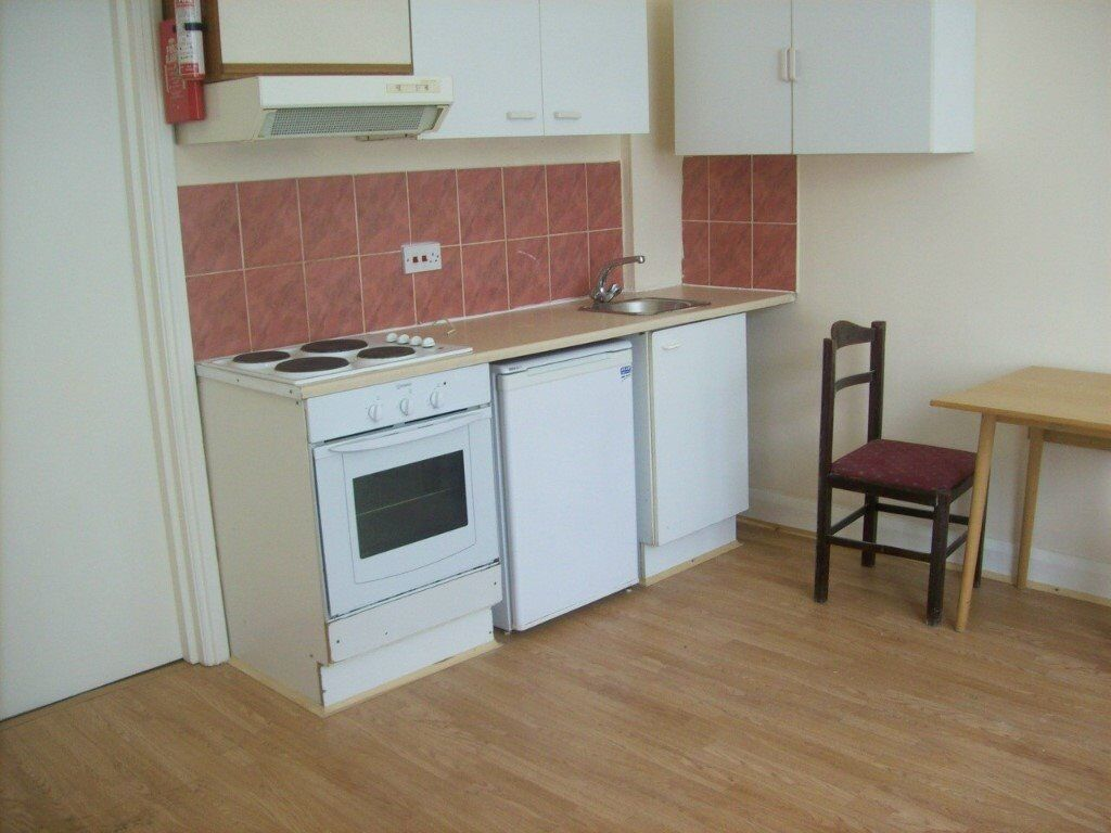 Turnpike Lane, N8 0BB-Fantastic 1 Bed Flat-Inclusive of Heating, Hot Water, Water Rates-Great value!