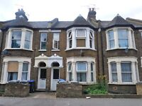 Spacious 1 bedroom flat located just minutes from Harlesden Overground station & local amenities