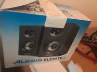 Alesis Studio monitors speakers like new