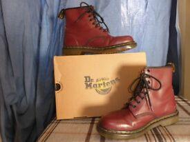 Dr Martens Boots, 1460 Air Wair, Size 7 (UK 40)