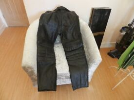 Leather motor bike trousers ( worn once but in perfect ondition)