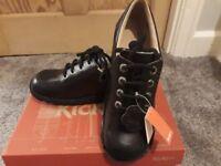 Unisex Kickers KickLo shoes Size 6 (39)