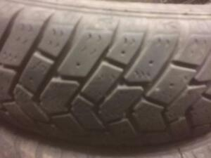 4 pneus d'hiver 155/80/13 Goodyear UltraGrip, 50% d'usure, 5-6-7/32 de mesure