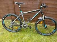 Mountain bike Btwin Rockrider 8.1 size medium in perfect condition