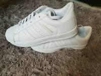 Replicate Adidas superstar size 6
