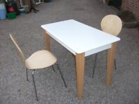 MODERN ASPACE TABLE AND 2 CHAIRS CUTLERY DRAWER IN TABLE