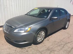 2013 Chrysler 200 LX LOW KMs | EXCELLENT CONDITION | GREAT PR...