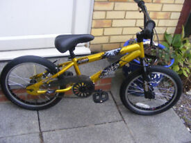 "BOYS 18"" WHEEL BIKE IN GREAT WORKING CONDITION AGE 6+"