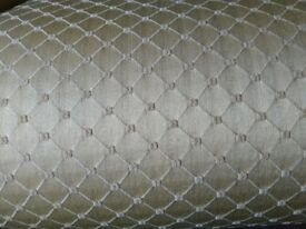Gold chaise lounge excellent condition perfect addition to any room £150ono