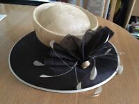 Ladies hat £10 ideal for wedding, races and formal occasions