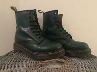HARDLY WORN Green Dr Martens 1460 boots UK4