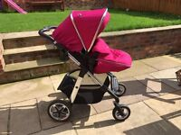 Silver Cross Pioneer Travel System - includes Pram,Main Seat,Carrycot,Car Seat and Isofix Base