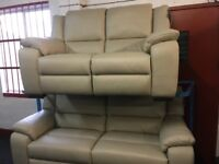 NEW/EX DISPLAY LazyBoy LEATHER FINCHLEY 3 + 2 SEATER ELECTRIC RECLINER SOFAS, 70% Off RRP